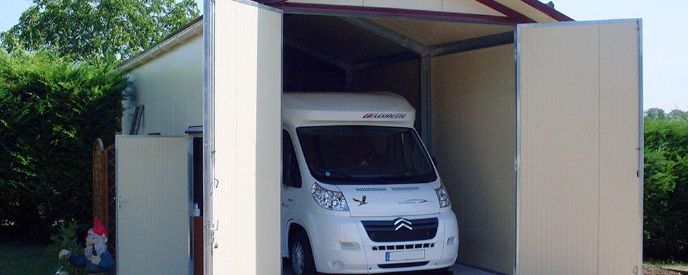 Installer un abri métallique pour voiture ou camping car