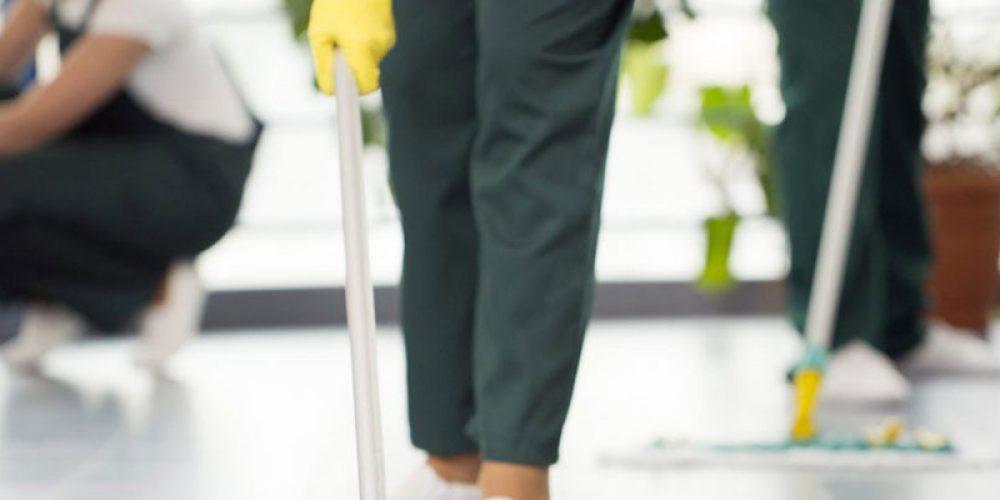 Contacter une entreprise de nettoyage pour demander un devis en ligne