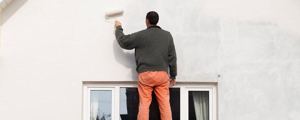 Comment choisir la bonne peinture pour une façade en extérieur ?