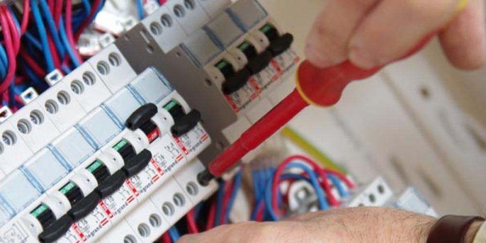 Trouver un spécialiste en câblage et assemblage de coffrets et armoires électriques